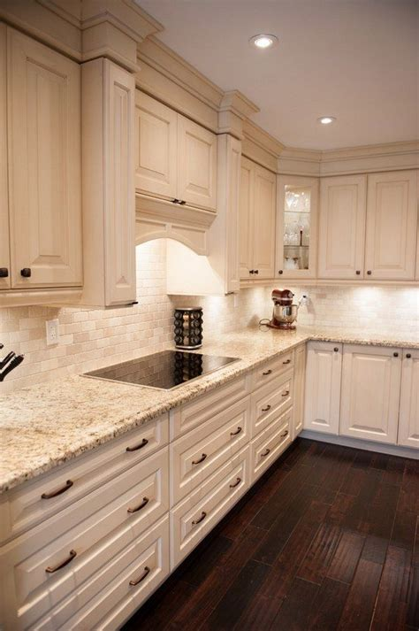 kitchen cabinets with granite countertops best 25 light granite countertops ideas on