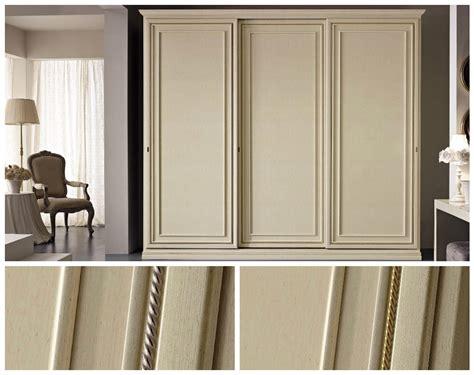 armadio a tre ante scorrevoli armadio della san michele a tre ante scorrevoli in legno