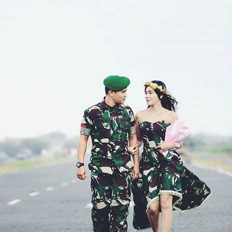 Wedding Tni by 22 Gambar Foto Prewedding Tni Paling Keren 2018 Undangan