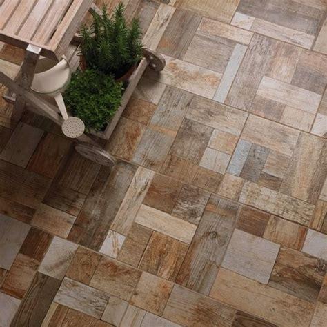 piastrelle per terrazze oltre 1000 idee su pavimenti in legno ceramica su