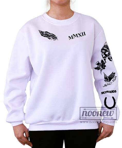 calum hood tattoo calum tattoos sweatshirt white and grey sweater by