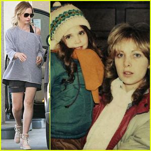 sarah michelle gellar shares sweet throwback photo with 2014 may just jared page 154