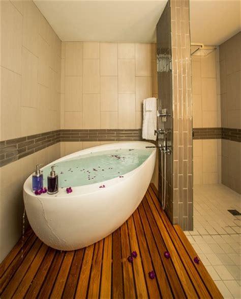 In The Bathtub Meaning by Six Creative Ways To Install A Bathtub In A Large Bathroom