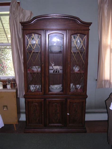 Antique China Cabinets For Sale by Broyhill Illuminated China Cabinet For Sale Antiques