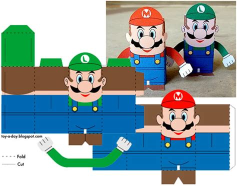 Luigi Papercraft - luigi crafts