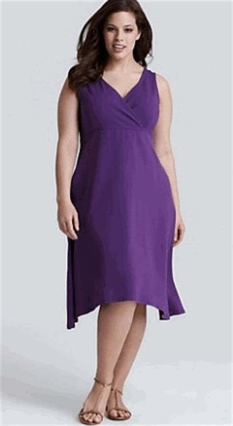flattering styles for full figure older women plus size dresses with a line skirts are universally