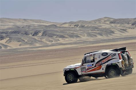 land rover dakar dakar 2014 race2recovery land rover