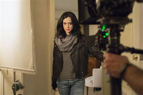 jessica jones trailer features jessica  kilgrave