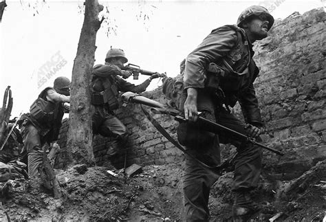 battle for hue tet 1968 tet offensive battle of hue contact press images