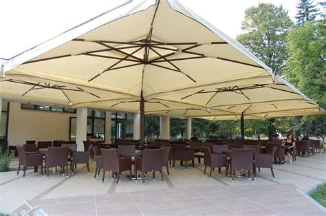 Umbrella For Patio by Commercial Patio Umbrellas For Restaurants Resorts Events