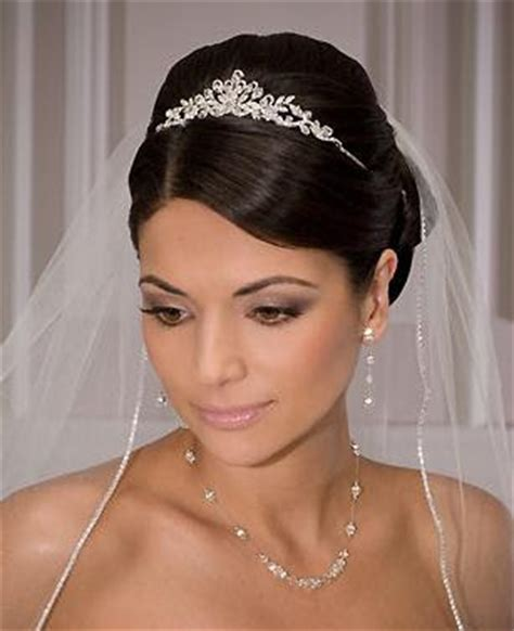 Wedding Hairstyles With Tiara And Veil by Can You Wear A Tiara And A Veil Sheffield Forum