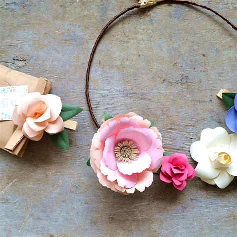 ghirlanda di fiori di carta ghirlanda di fiori di carta mobili la figurina shop