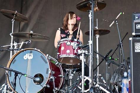 tutorial drum punk punk powerhouse cassie jalilie tom tom magazine