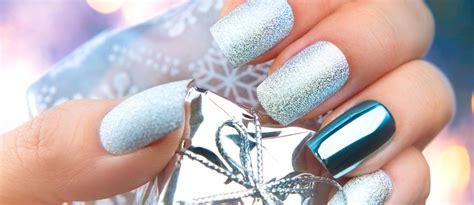 2018 christmas nails theme 36 cool shimmering nails