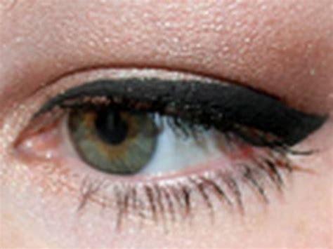 detailed tutorial cat eyeliner video detailed tutorial cat eyeliner youtube