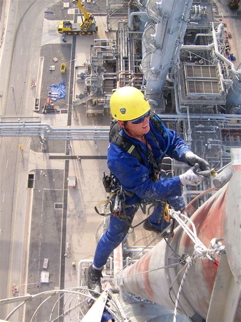 Bahan Tile Alex Seddo access high q rope access