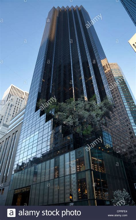 trump tower ny trump tower at 725 fifth avenue in manhattan new york