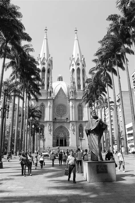 SESSÃO DE FOTOS - CENTRO DE SÃO PAULO EM PRETO E BRANCO