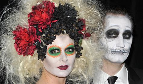 try one of these celeb inspired halloween costumes daily makeover steal these celebrity halloween costume ideas stylecaster