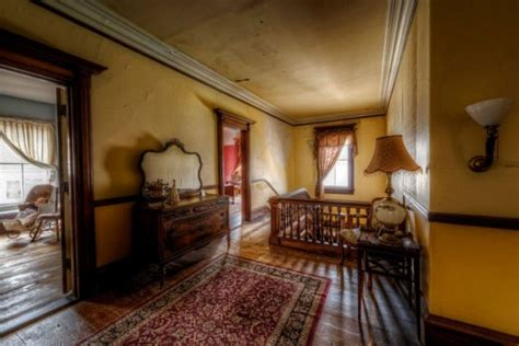 gardner haunted house they re selling this 1875 mansion for nearly nothing when