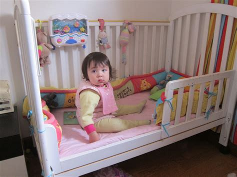 Transition Co Sleeper To Crib by How To A Successful Transition From Crib To Bed