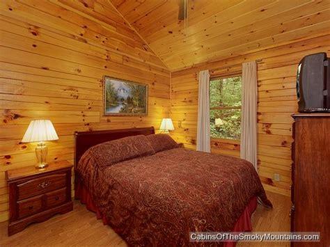 6 bedroom cabins in gatlinburg gatlinburg cabin nature s haven 6 bedroom sleeps 20