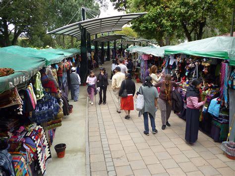 file craft market in parque el ejido quito ecuador jpg - Craft Market