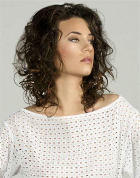 hair styles blown by the wind 30 medium haircuts mit textur f 252 r frauen trend frisuren
