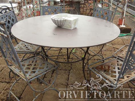 tavoli da giardino in ferro battuto orvieto arte tavolo rotondo a tre piedi in ferro battuto