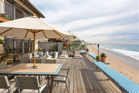 Buy Or Rent Magnificent Miami Beachfront House Extravaganzi Miami House Rentals Oceanfront