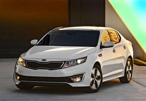 White Kia Car White Kia Optima Hybrid Car Hd Wallpaper Hd Car Wallpapers