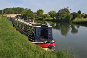 river thames canal boats narrow boat on the thames 169 philip halling geograph