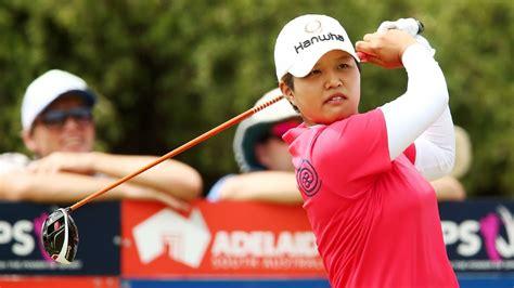 swinging skirts golf leaderboard japan s haru nomura leads swinging skirts lpga classic