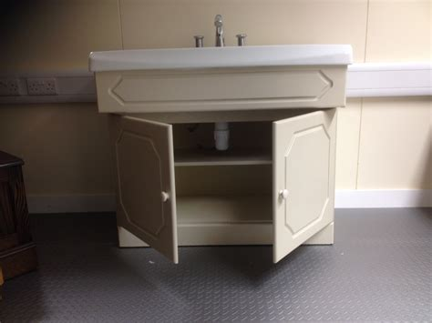 second hand bathroom sinks second hand vanity unit complete with selles sink wash