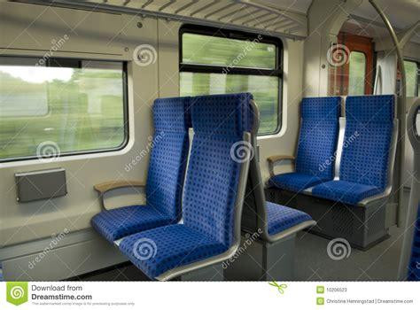treno interno vagone interno treno fotografie stock immagine 10206523