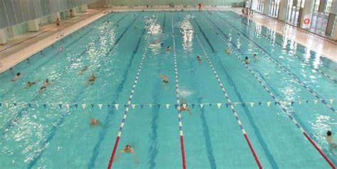 Top Friseure In Berlin Sse Schwimm Und Sprunghalle Im Europa Sportpark