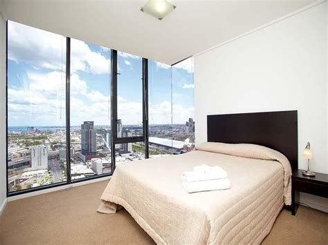 accommodation melbourne apartments 3 bedroom melbourne city holiday apartment 3 bedroom modern inner