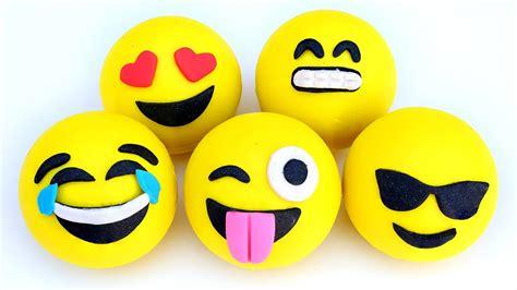 play doh emoji smiling face heart shaped eyes surpise