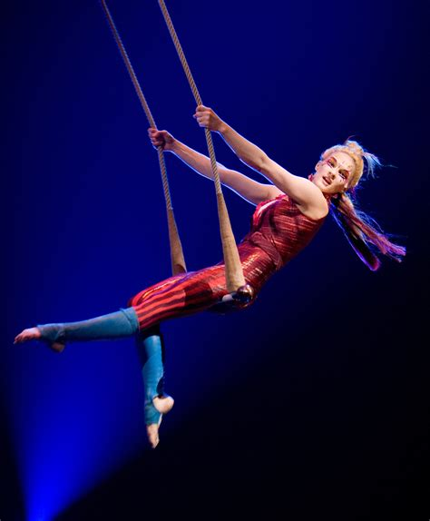 circus swing premier of cirque du soleil s kooza is tonight 171 the