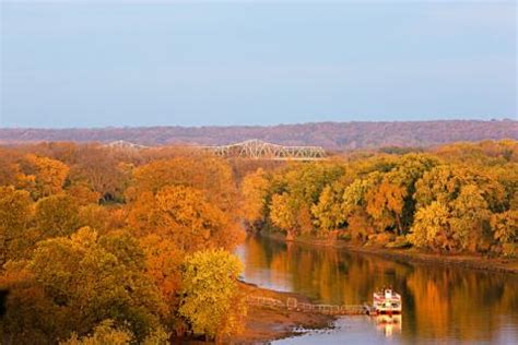 fall color   illinois river road midwest living
