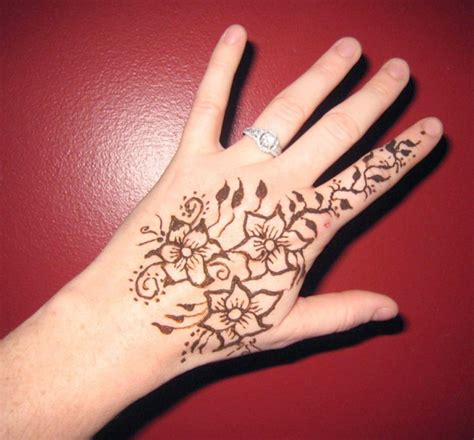 simple floral henna design for back hand sheplanet