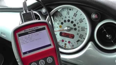 mini cooper abs light resetting a mini abs warning light with autel md702