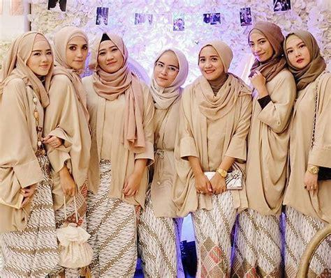 desain baju bridesmaid 10 inspirasi gaun kebaya bridesmaid berhijab sopan dan