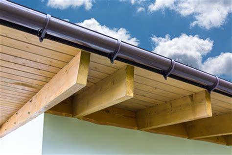 dachgesims holz dach 252 berstand selbst streichen holzschutz genial