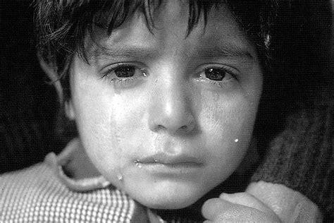 imagenes de tristeza en niños fotos en blanco y negro llanto de un ni 241 o