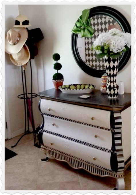 Black And White Dresser Ideas by Diy Black And White Decorating Ideas Home Decor