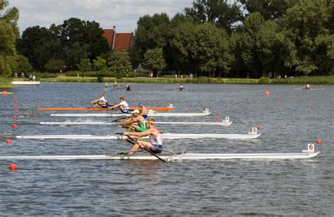 single scull boat buy how to choose which single scull to buy rowperfect uk