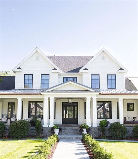25 best ideas about country farm houses on pinterest white farm house best 25 white farmhouse exterior ideas on