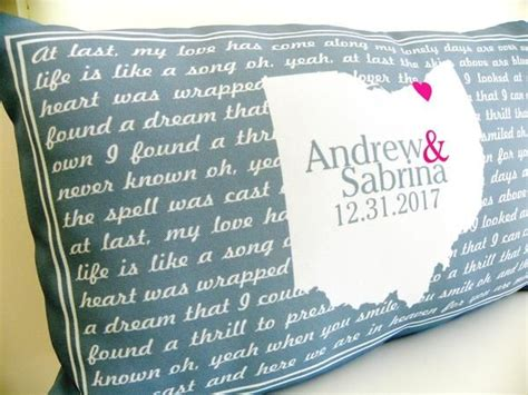Wedding Anniversary Song Lyrics by 25 Best Ideas About Anniversary Gifts On