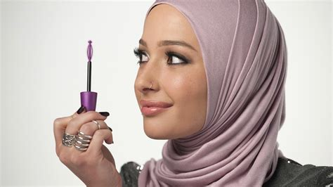Makeup Covergirl nura afia is covergirl s muslim ambassador today